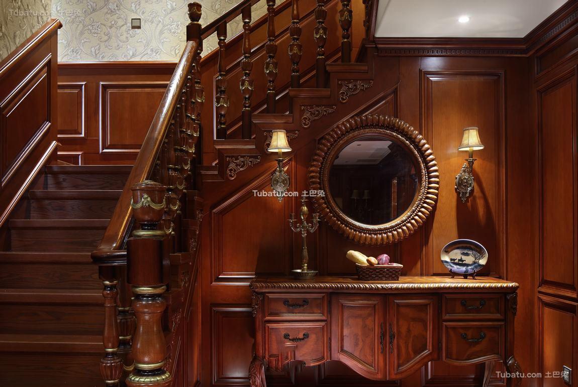 豪华复古美式别墅楼梯装修效果图