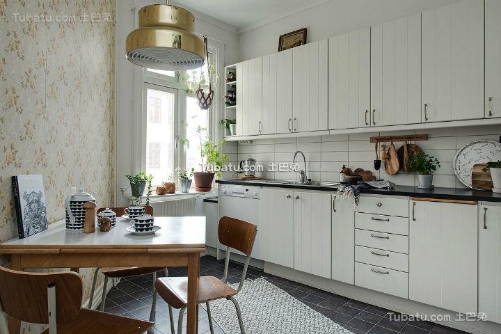 简约质朴北欧厨房