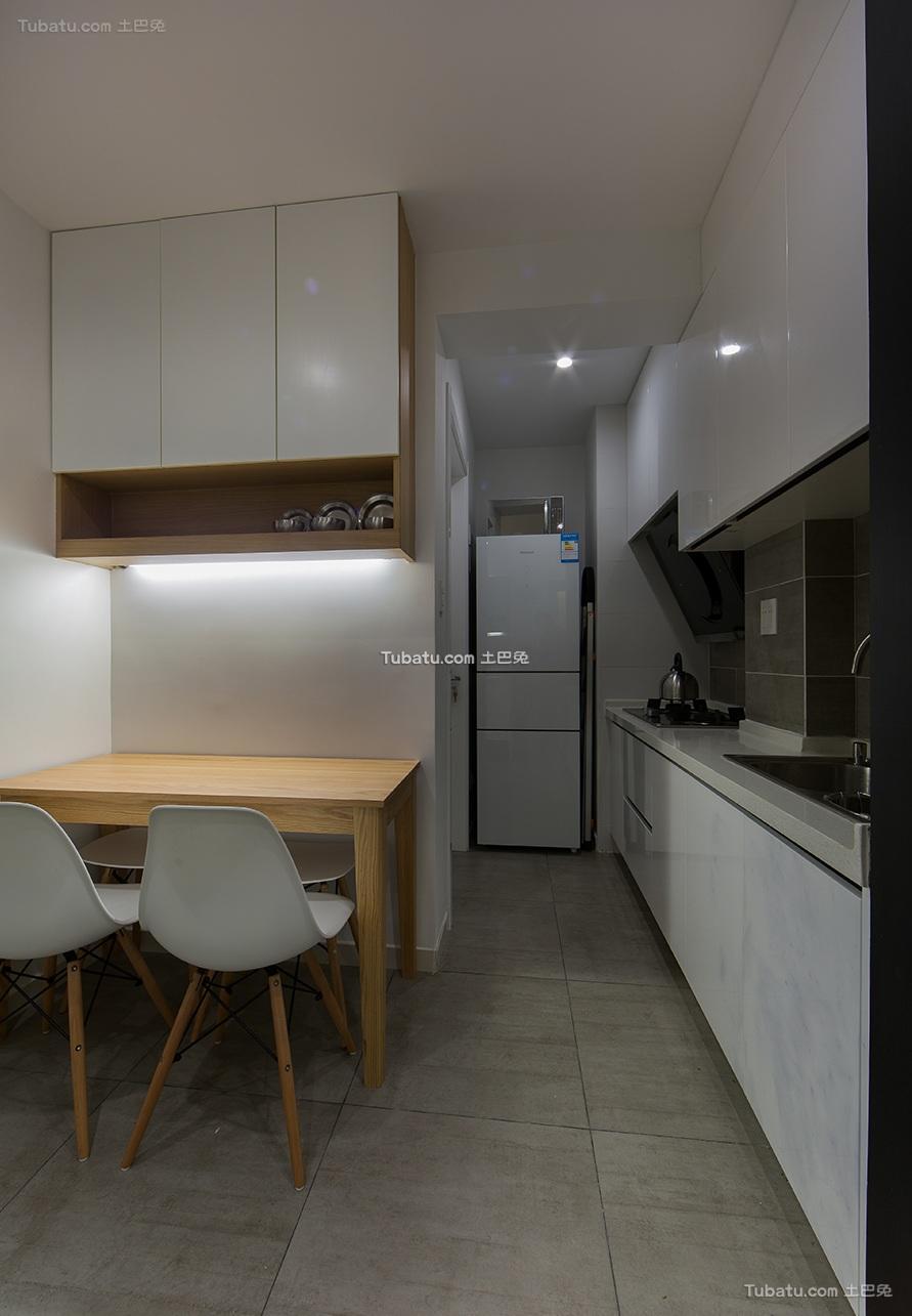 简约现代公寓室内设计装修图片