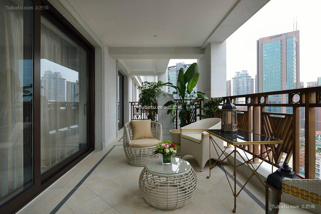 时尚美式复古别墅家居阳台设计图片