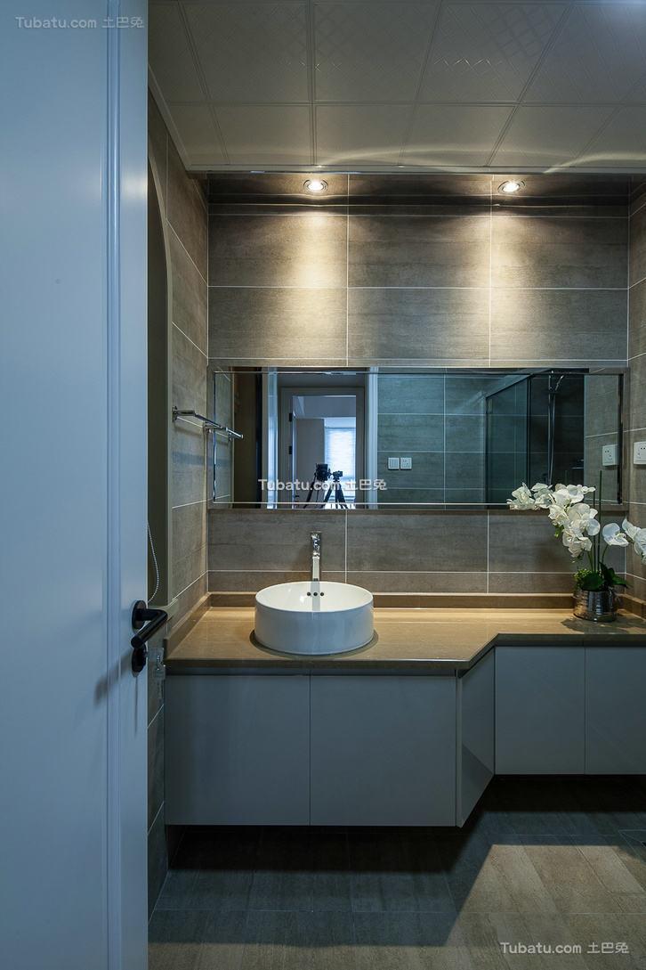 现代风格设计家装卫生间效果图