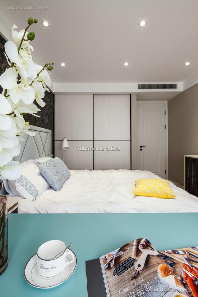 简约室内板式衣柜设计效果图片