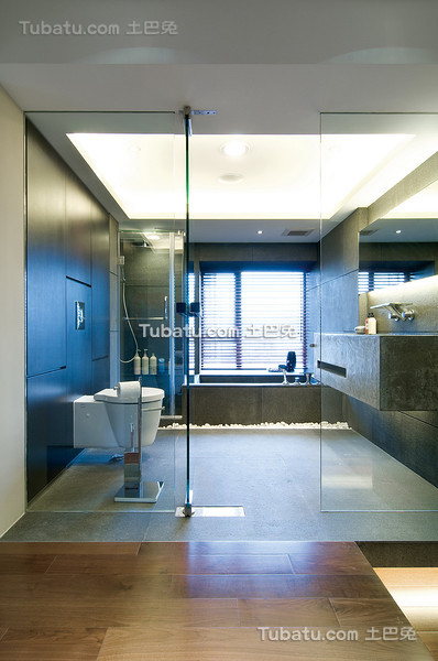 现代灰色卫生间设计