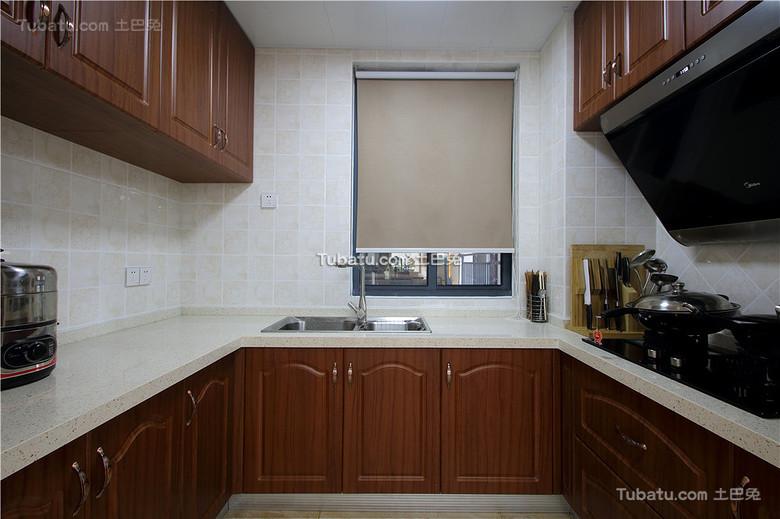 现代实木装修厨房设计