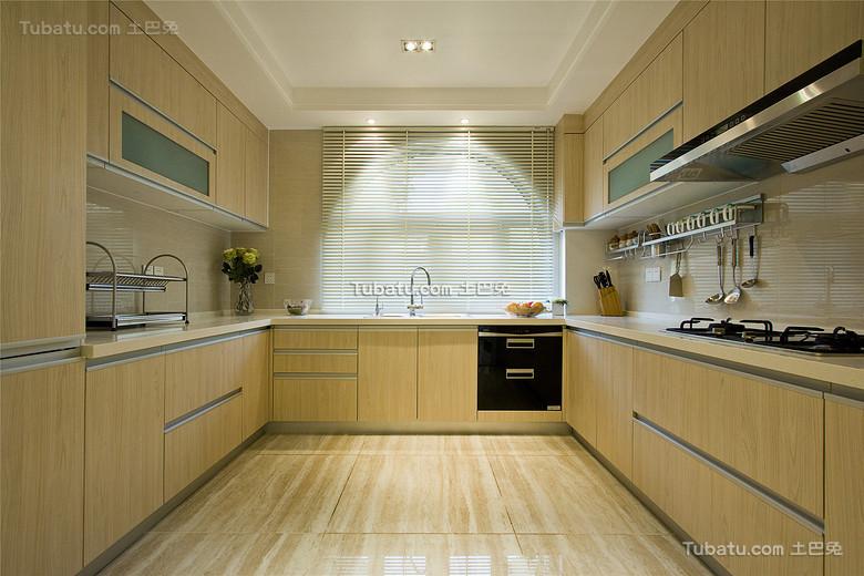现代高端原木厨房简约设计