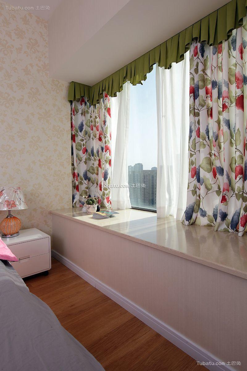现代简约室内飘窗装修效果图欣赏