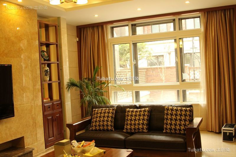 现代风格设计客厅室内窗户效果图片