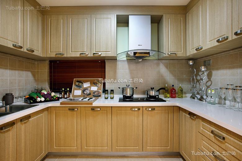 简中式松木厨房设计