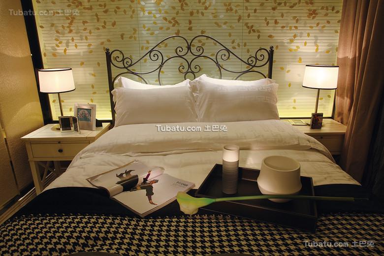 低奢现代欧式卧室装饰