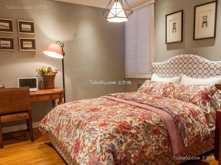 悠闲复古碎花美式卧室