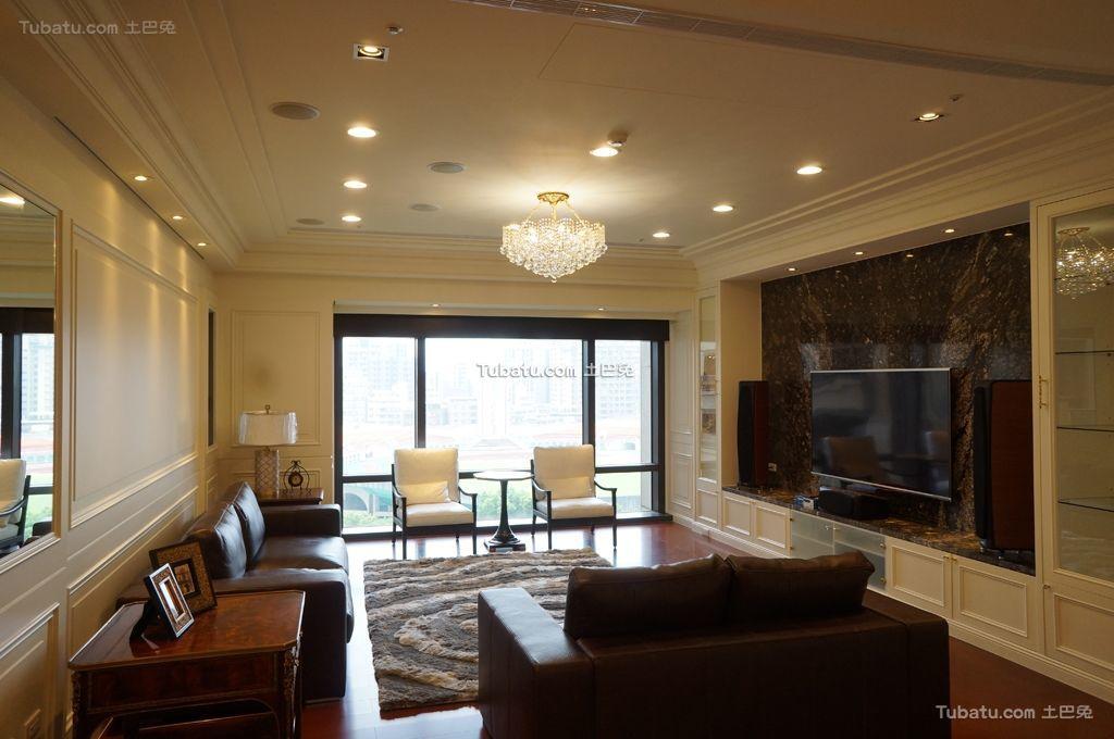 轻盈优美的新古典风格客厅图