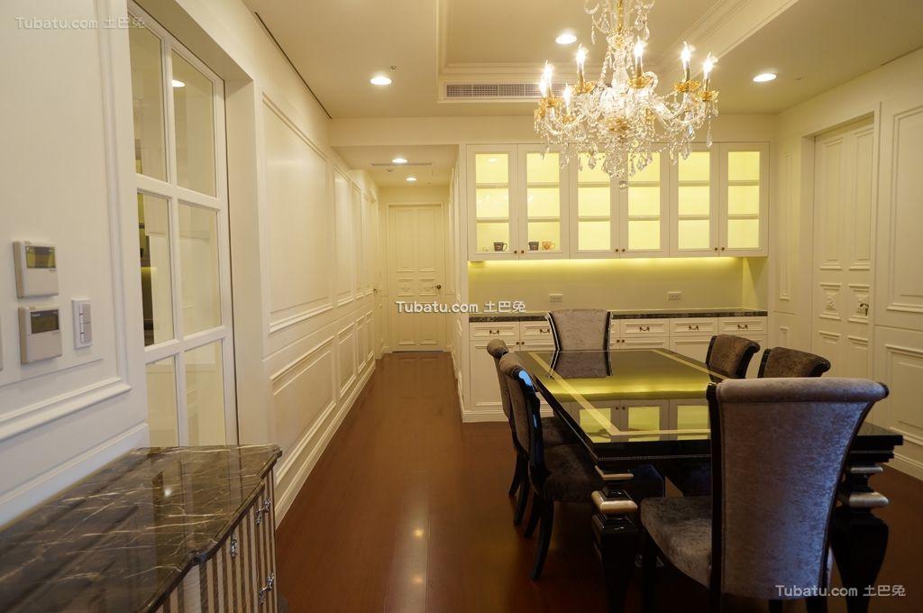 轻盈优美的新古典风格餐厅效果图