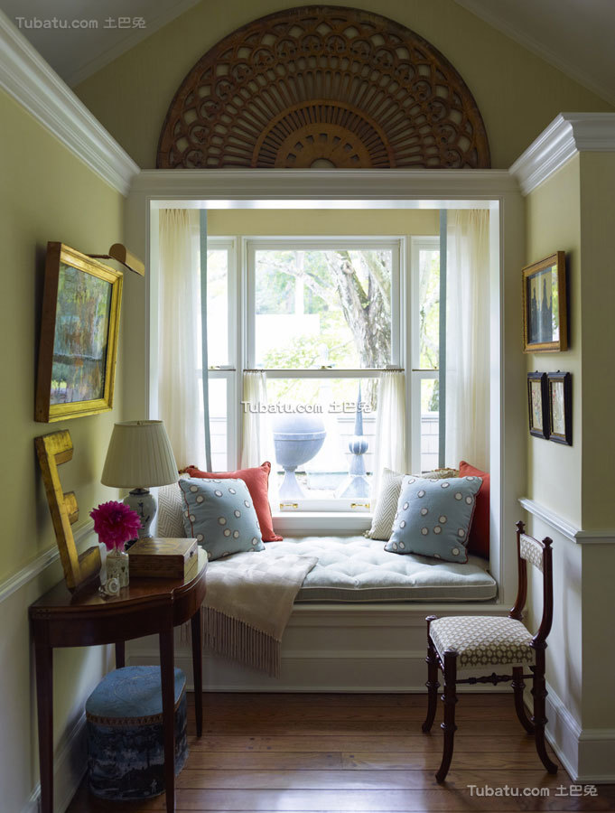 东西方结合四居室飘窗效果图