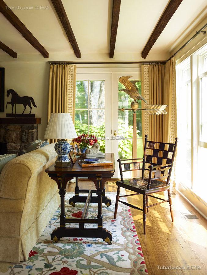 东西方结合四居室窗户效果图