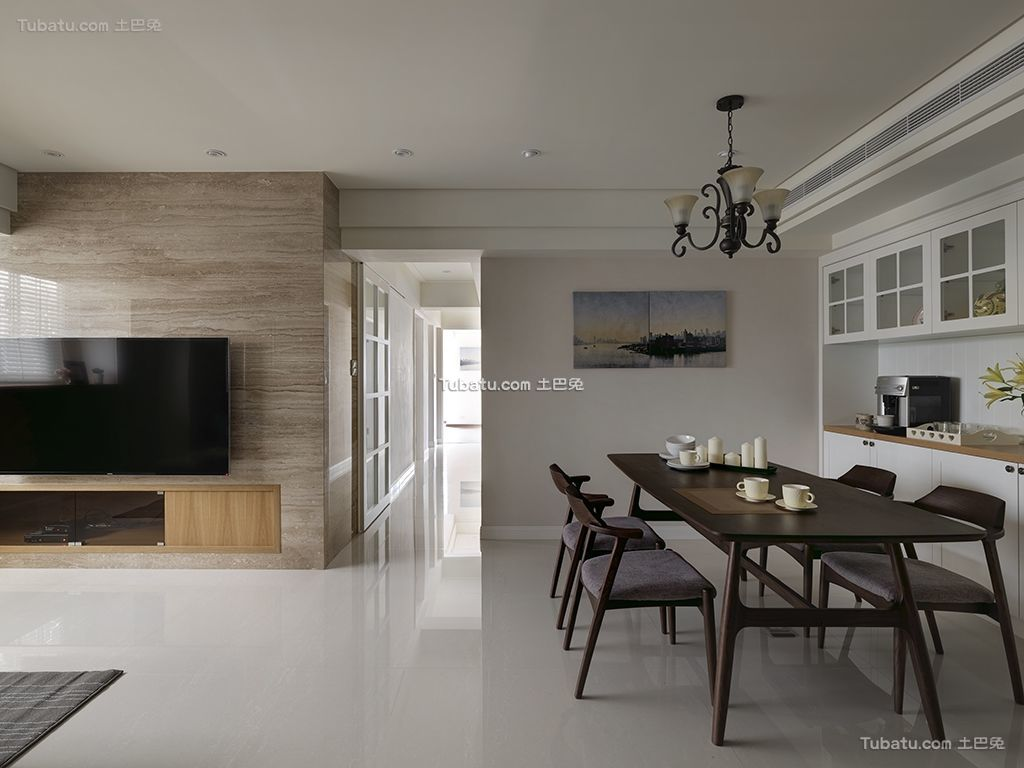温暖三居室家装餐厅设计图