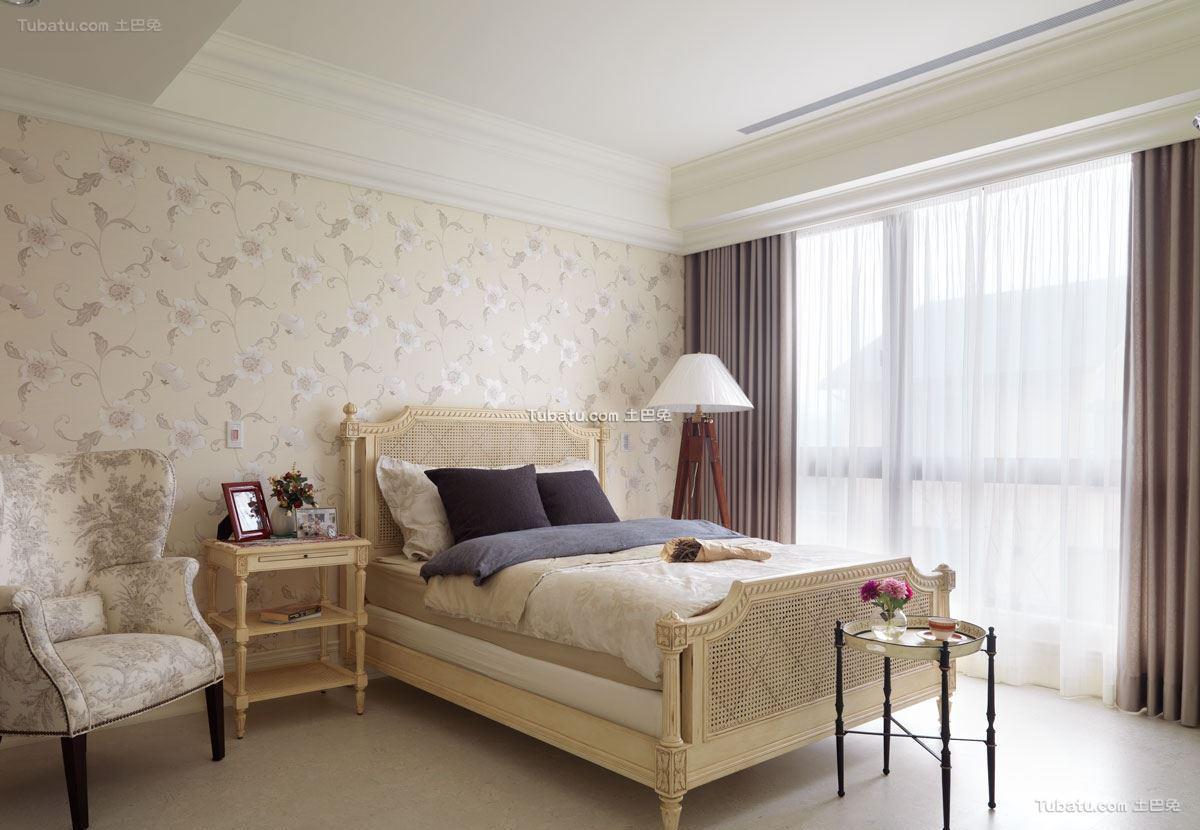 明透的美式风格家装卧室效果图