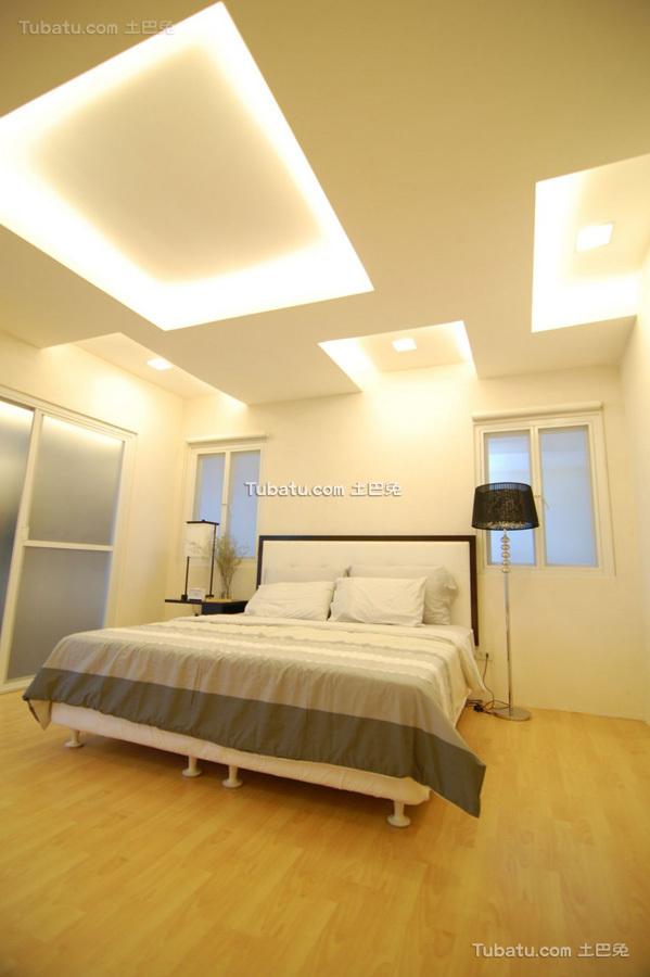 美式简约风家装卧室效果图
