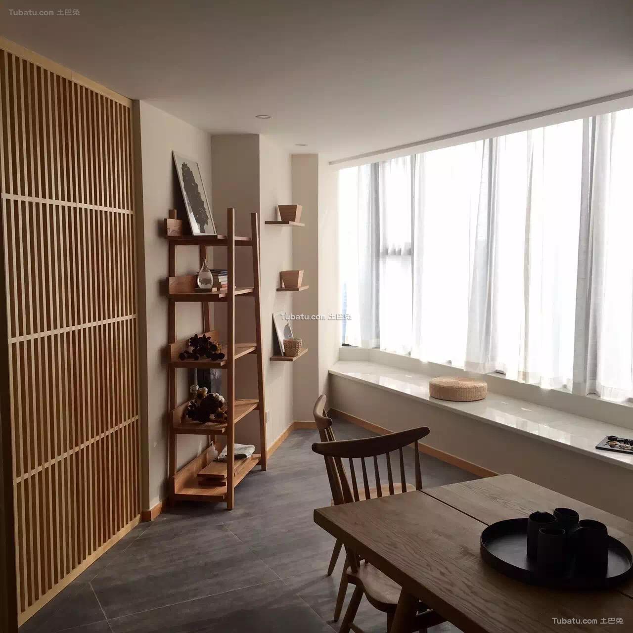 原木日式风格家装窗户效果图