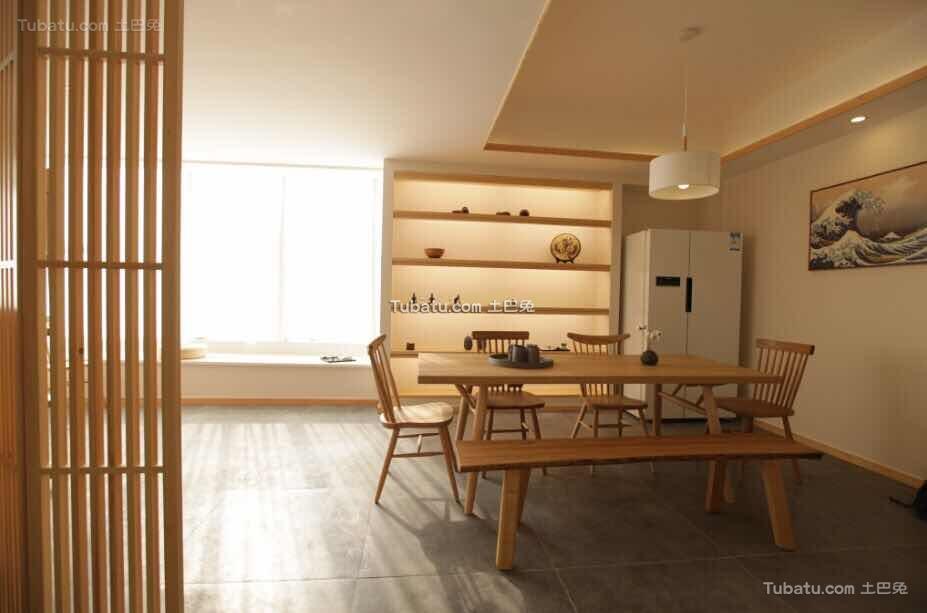原木日式风格家装吊顶效果图
