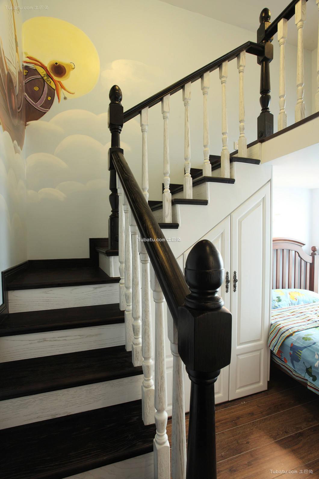 细雨之夏复式家装楼梯效果图