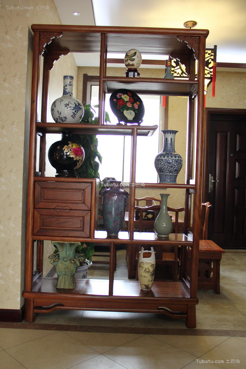 时尚中式家装博古架效果图
