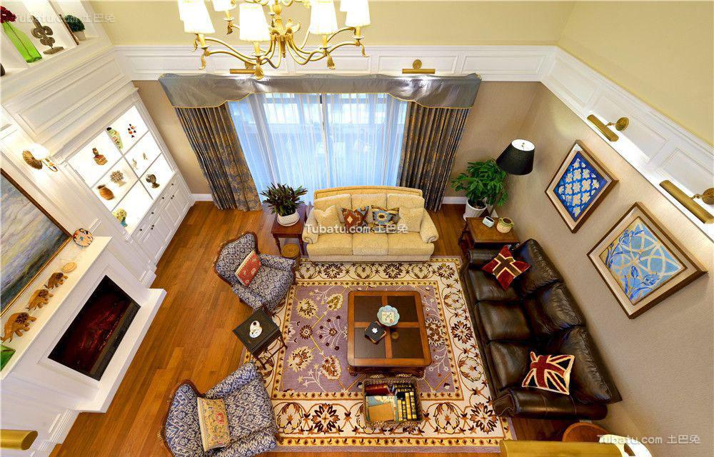 香草色欧式客厅设计效果图
