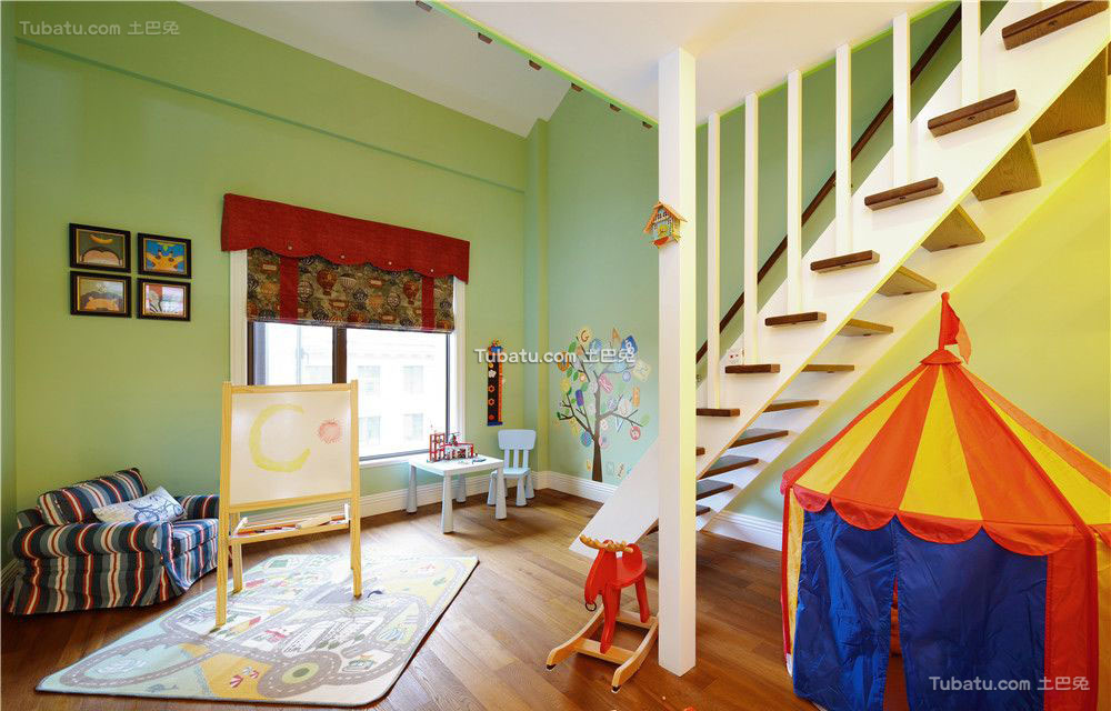 香草色欧式儿童房家装设计