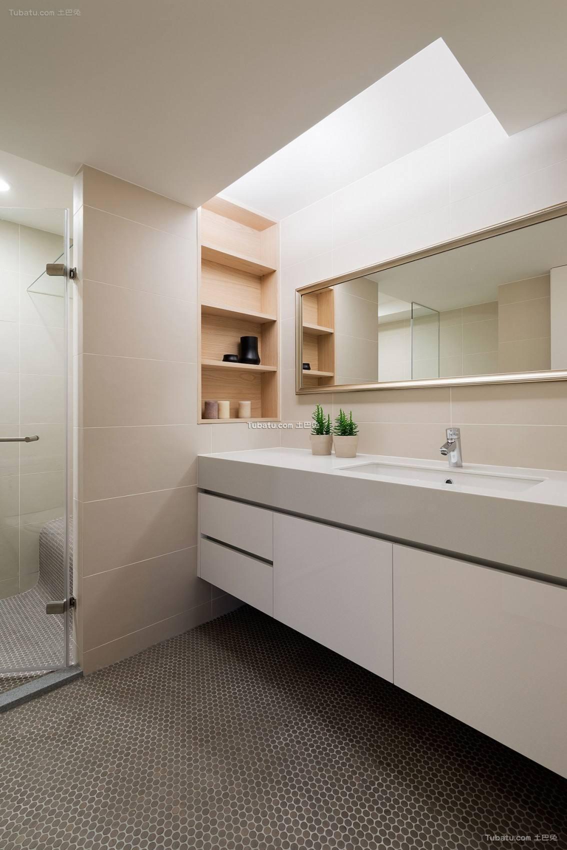 现代卫浴设计装修图