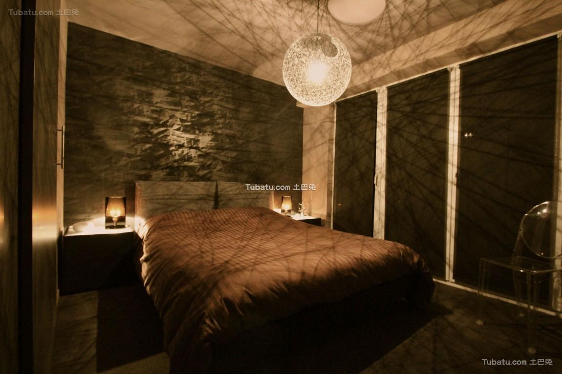 现代风情卧室效果图