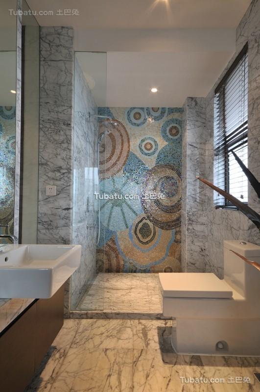 美式家装别墅卫生间设计图