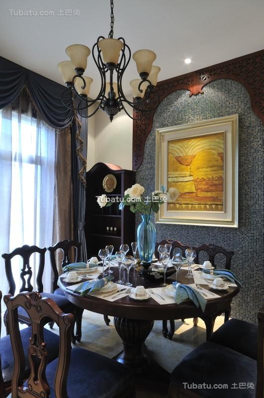 美式家装别墅餐厅设计图