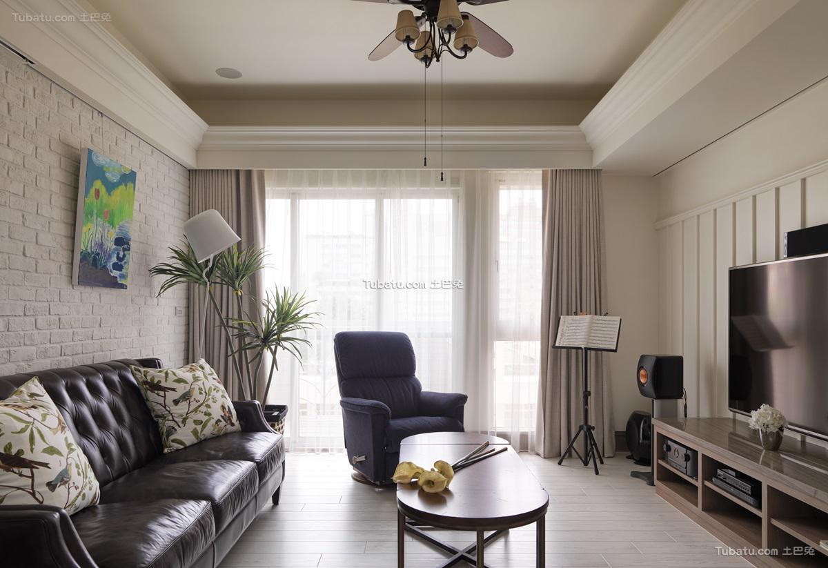 美式优雅感客厅装修图