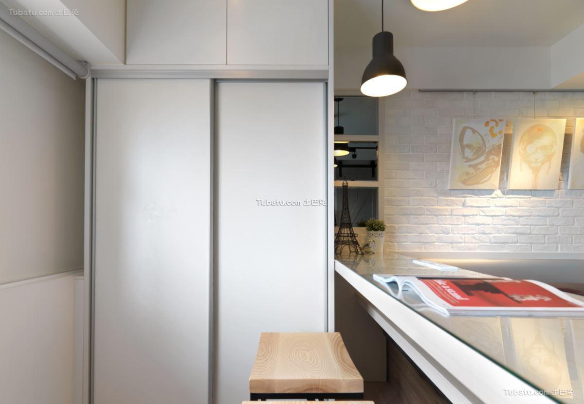 北欧家装风衣柜设计