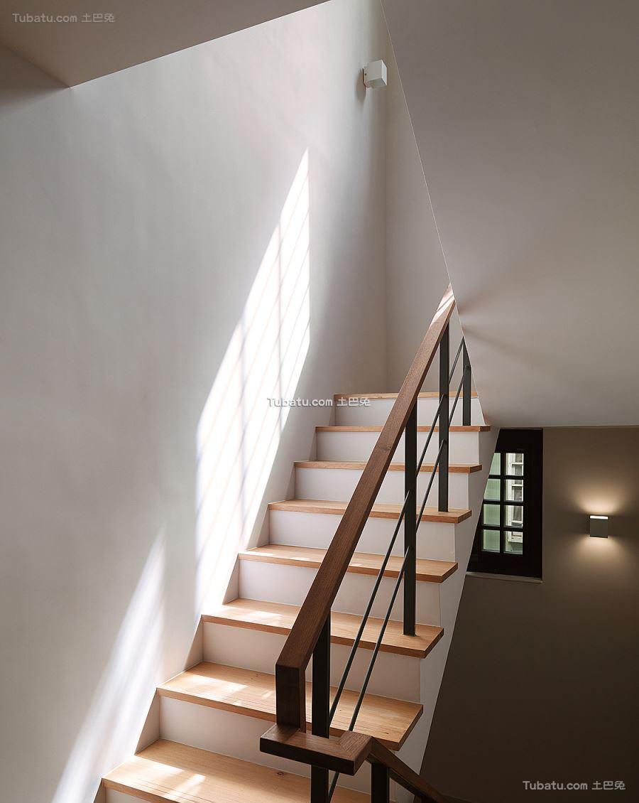 现代风家装格调楼梯装修