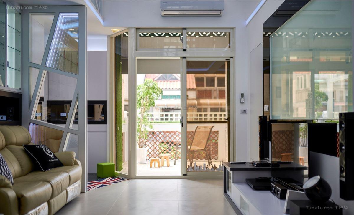 现代复式楼客厅隔断装修图片