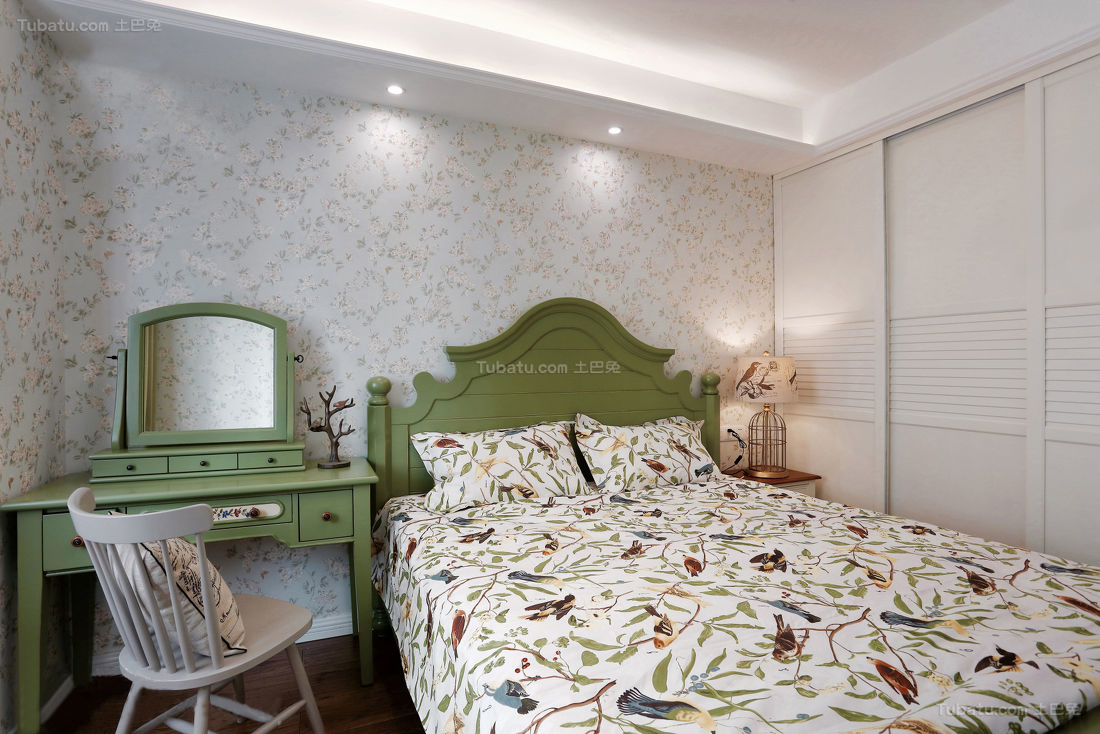 美式清新舒适卧室装修效果图