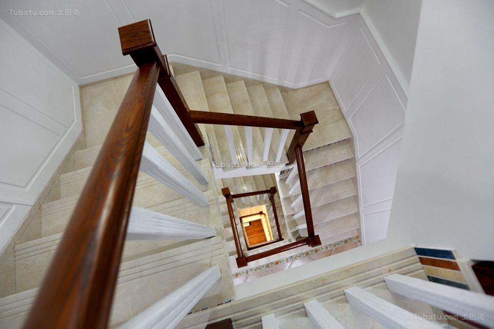 美式精装旋转式楼梯