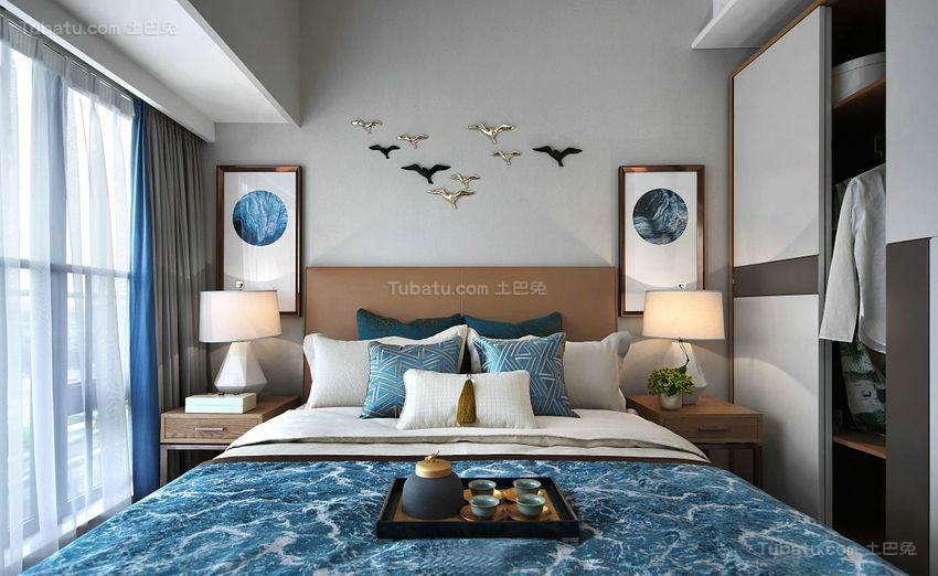 中西方相结合的卧室装修效果图