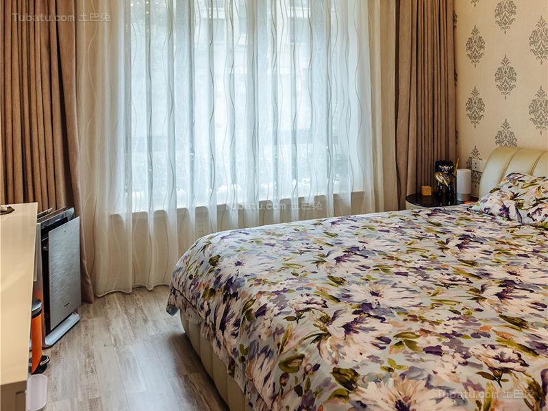 简约低调感大卧室效果图