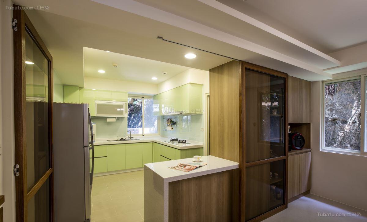 双层时尚大气厨房隔断设计效果图