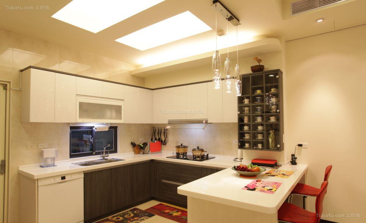 清新雅致的清爽厨房装修效果图