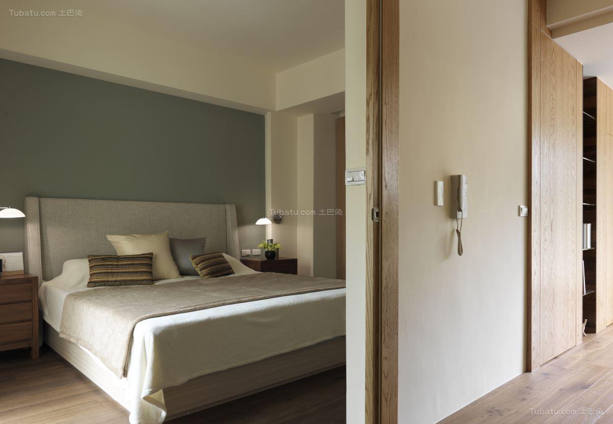 轻松休闲的中式卧室隔断装修效果图