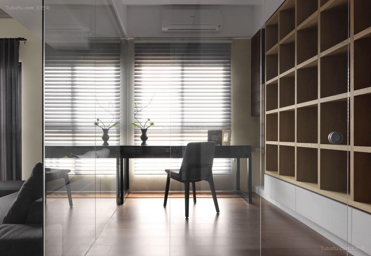 雅致现代风格透明玻璃隔断装修效果图