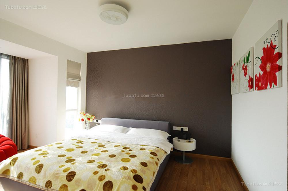 温馨暖色调现代化卧室装修效果图