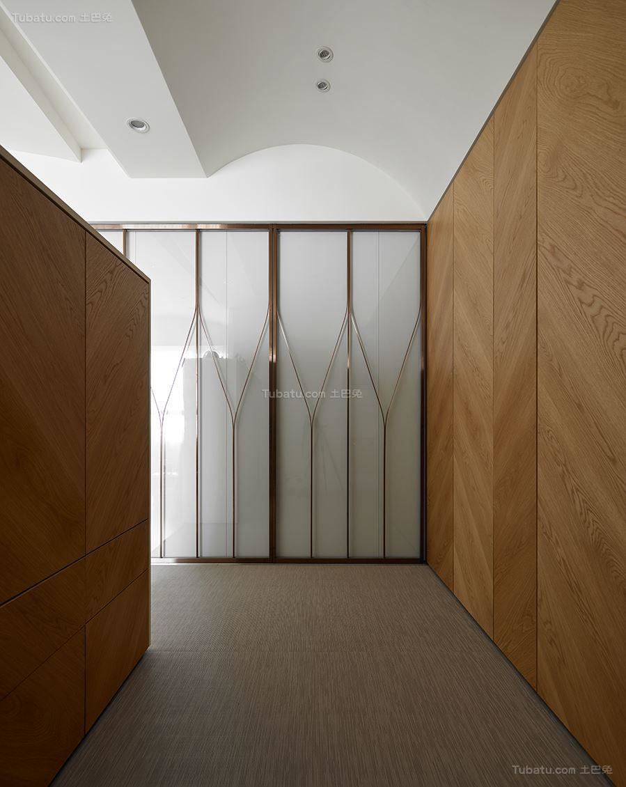 创意时尚现代化玄关装修效果图