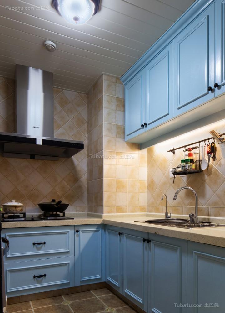 时尚地中海风格温馨厨房装修效果图