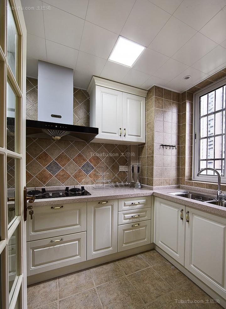 复古温馨美式风格厨房装修效果图