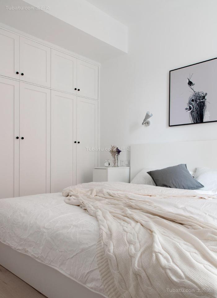 纯白色北欧风格衣柜装修效果图