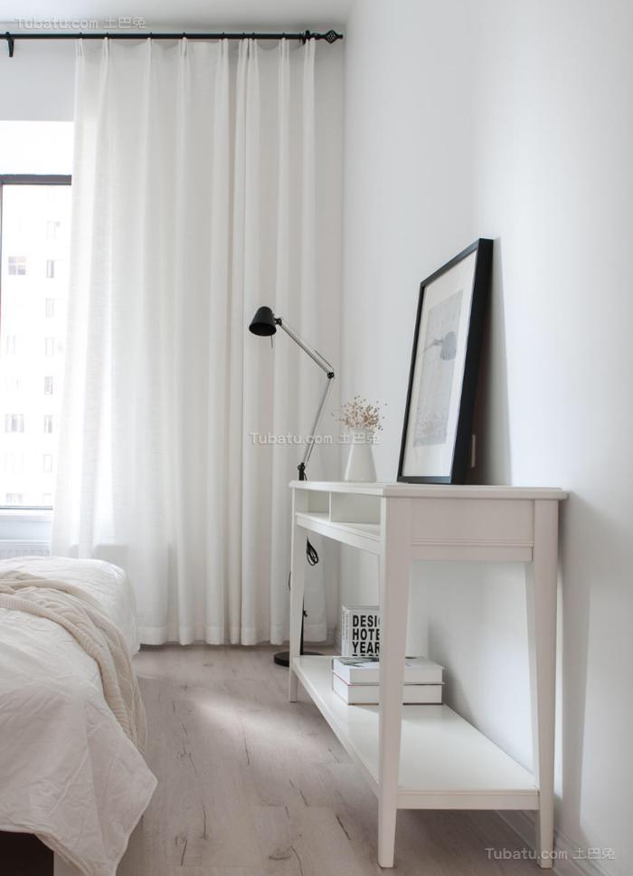 纯白色北欧风格窗帘装修效果图
