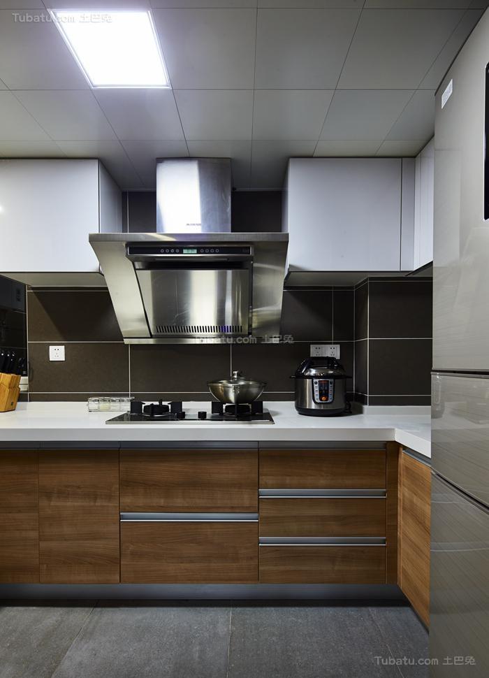 清新惬意简约风格厨房装修效果图